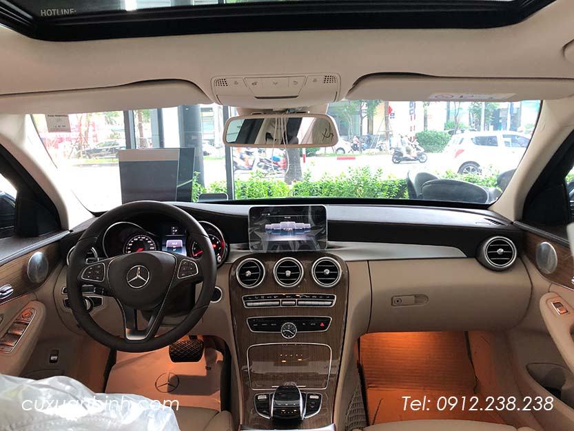 xe-mercedes-c250-exclusive-2018-xanh-noi-that-be-vang-10