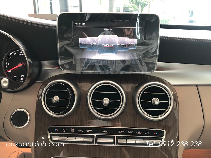 xe-mercedes-c250-exclusive-2018-xanh-noi-that-be-vang-13