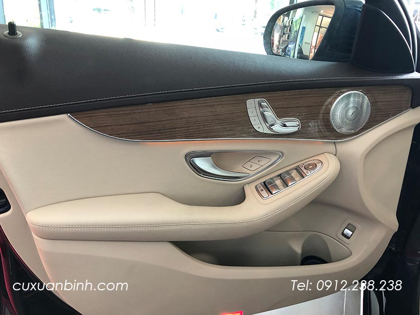 xe-mercedes-c250-exclusive-2018-xanh-noi-that-be-vang-15
