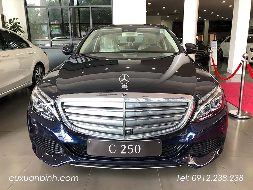 xe-mercedes-c250-exclusive-2018-xanh-noi-that-be-vang-2