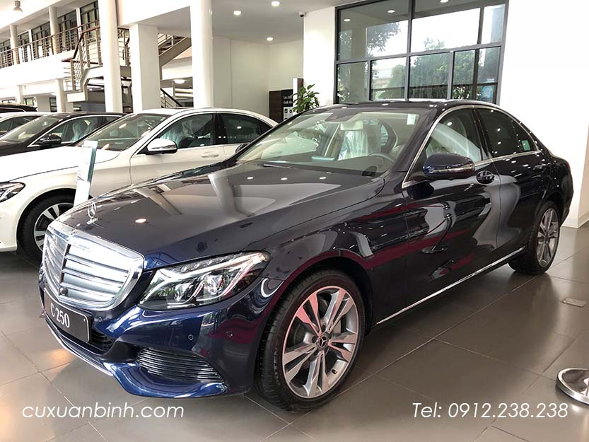 xe-mercedes-c250-exclusive-2018-xanh-noi-that-be-vang-3