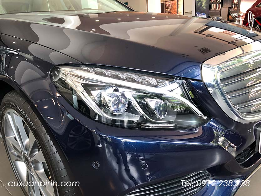 xe-mercedes-c250-exclusive-2018-xanh-noi-that-be-vang-4