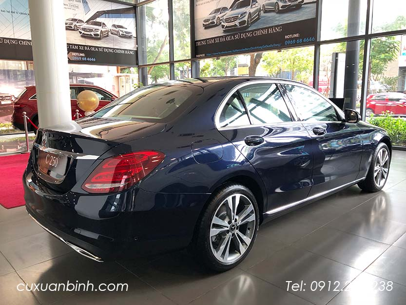 xe-mercedes-c250-exclusive-2018-xanh-noi-that-be-vang-8